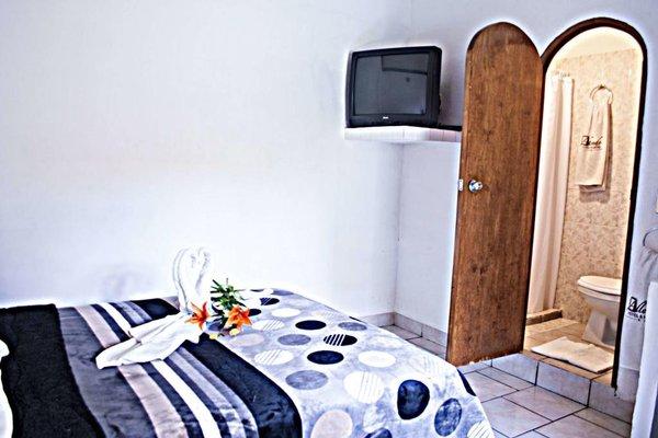 Hotel y Hostel Allende - фото 5