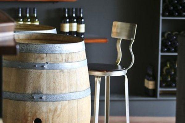 One Paddock Currency Creek Winery Villas - 10
