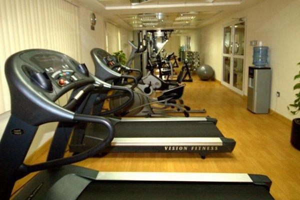Rose Garden Hotel Apartments - Bur Dubai - 20