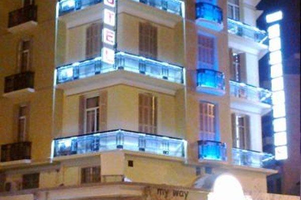 Metropolis Hotel - фото 23