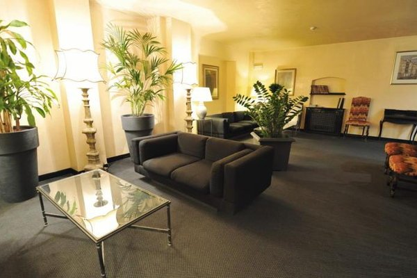 White House Hotel - фото 9