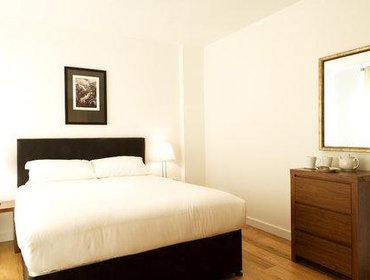 Апартаменты MAX House Serviced Apartments Farnborough