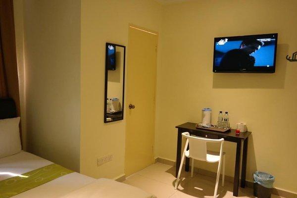 Clover Hotel Port Dickson - фото 10