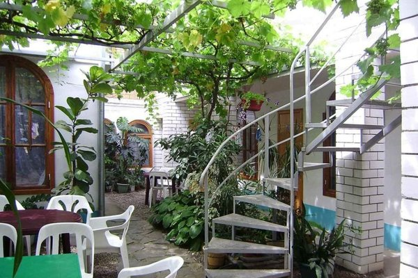 Уютный дворик - фото 19