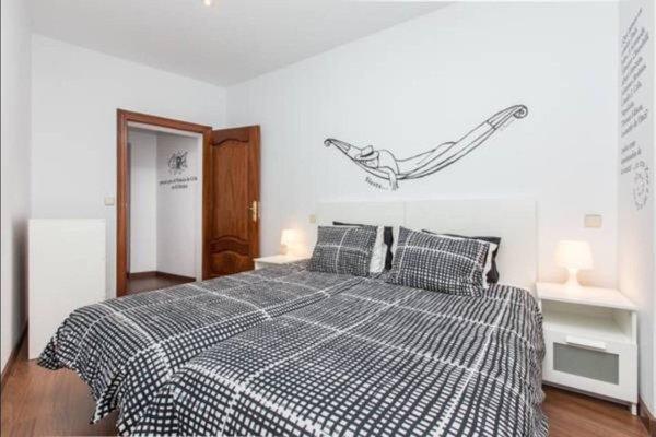 Book in Madrid- Tirso de Molina - фото 14