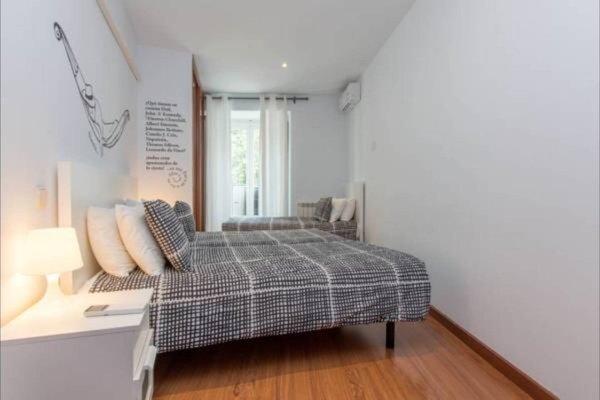 Book in Madrid- Tirso de Molina - фото 17