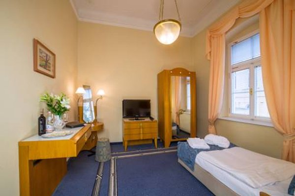 Hotel Three Lilies - 6