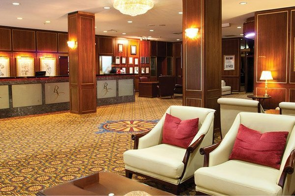 Royal Albert Hotel - фото 10