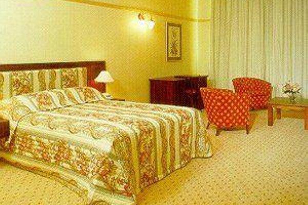 Royal Albert Hotel - фото 3