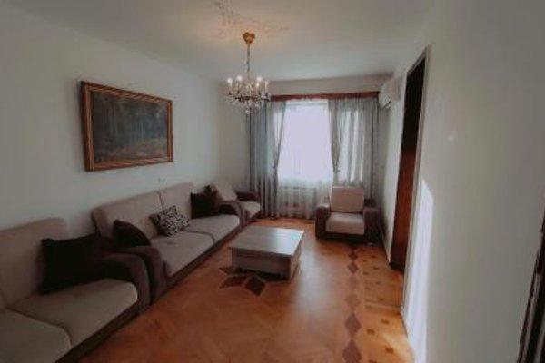On Khimshiashvili Apartment - фото 10