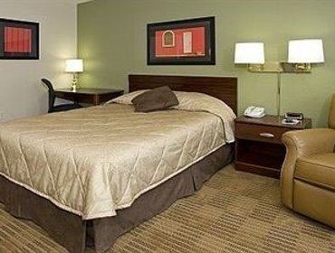 Гестхаус Extended Stay America - Greensboro - Wendover Ave. - Big Tree Way