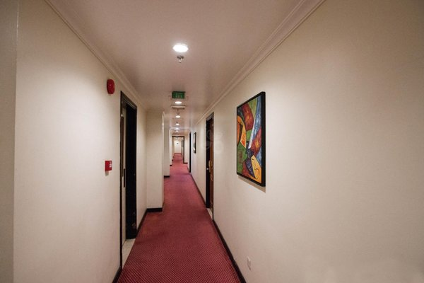 Landmark Hotel - 13