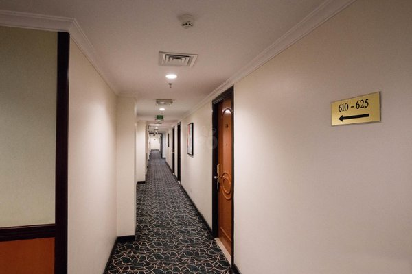 Landmark Hotel - 14
