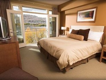 Apartments Okanagan Valley Rentals at Strand Lakeside Resort