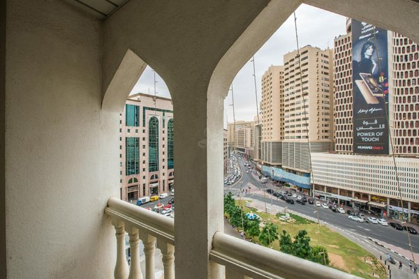 Landmark Plaza Hotel - фото 19