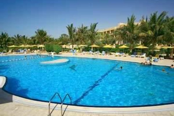 Al Hamra Fort Hotel and Beach Resort - 20