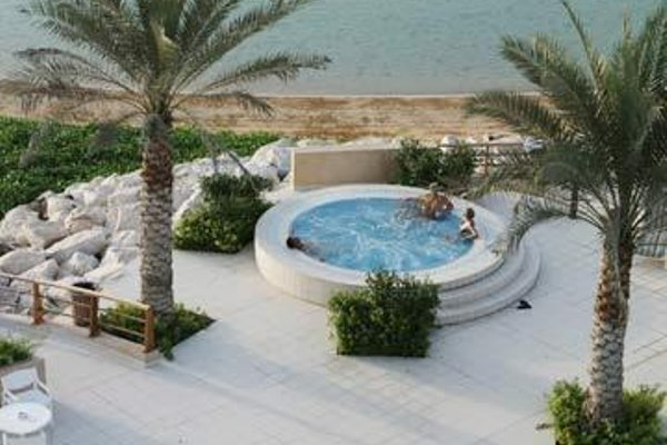 Al Hamra Fort Hotel and Beach Resort - 21