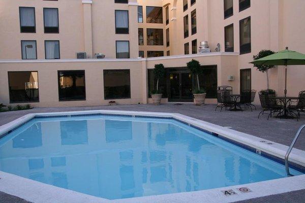 Hampton Inn by Hilton Chihuahua City - фото 21