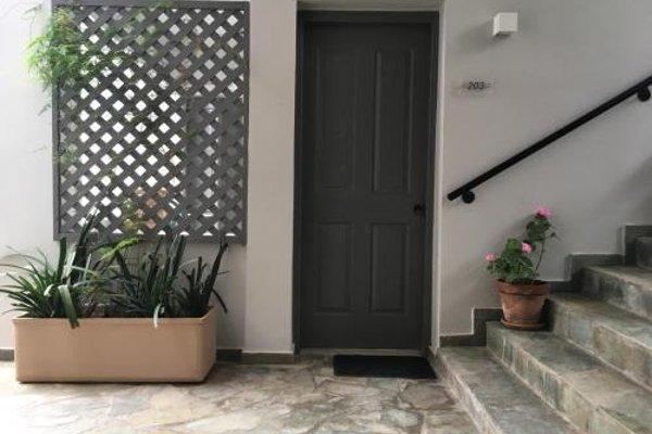 Philoxenia Apartments - фото 10