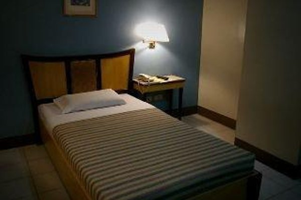 Cebu Business Hotel - фото 11