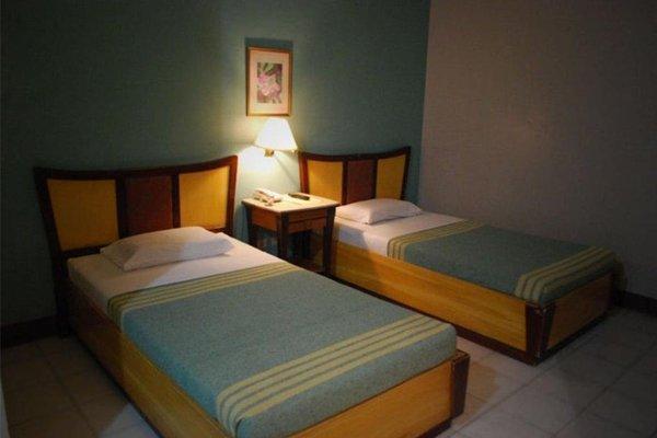 Cebu Business Hotel - фото 12