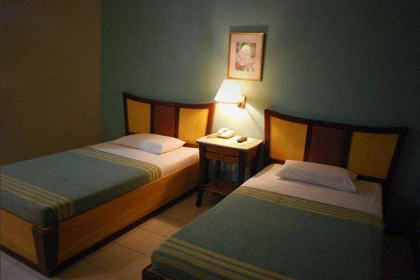 Cebu Business Hotel - фото 13