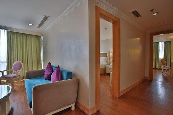 Crown Regency Hotel & Towers - фото 4