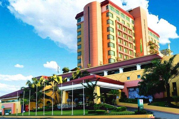 Grand Regal Hotel Davao - фото 17