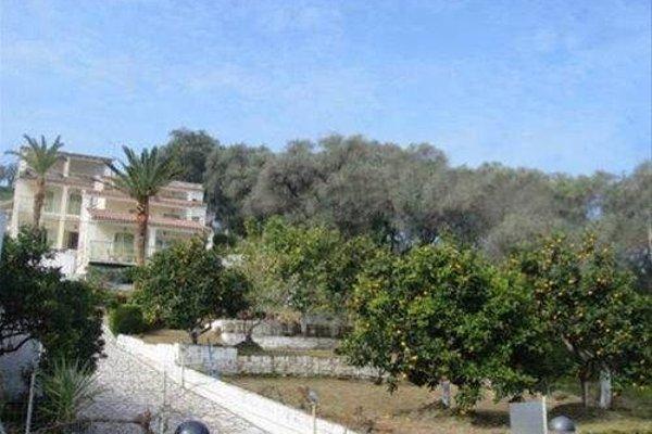 Athina Apartments - фото 3