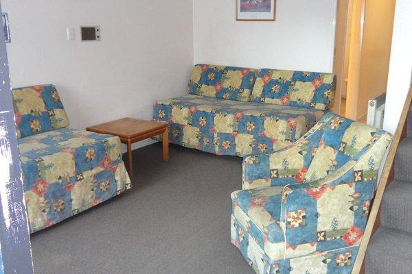 Gwendoline Court Motel - 3