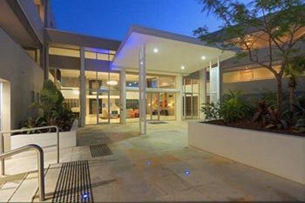 Chancellor Lakeside Apartments - фото 23
