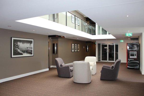Chancellor Lakeside Apartments - фото 5