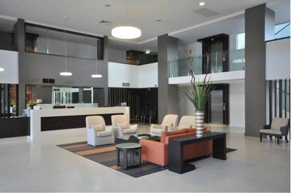 Chancellor Lakeside Apartments - фото 6