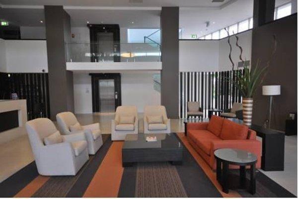 Chancellor Lakeside Apartments - фото 8