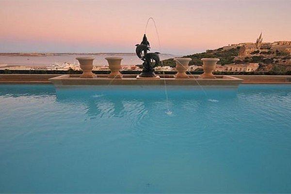 Grand Hotel Gozo - 20