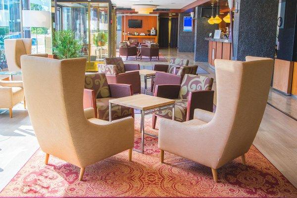Hotel Haaga Central Park - 8