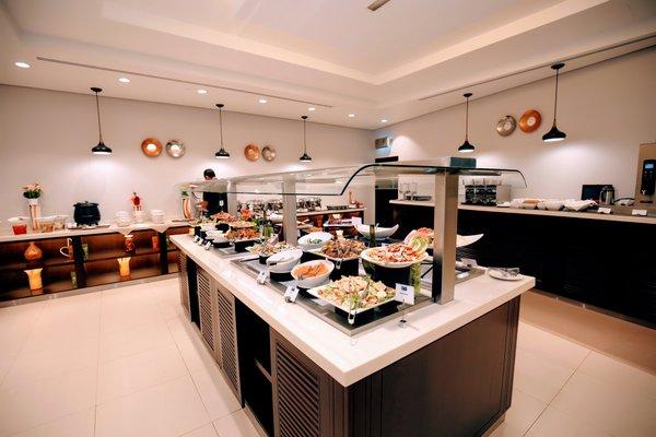 Holiday Inn Express Dubai Internet City - фото 9