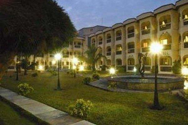 Ramada Resort Accra Coco Beach - фото 15