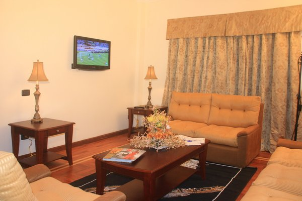 Holiday Inn Accra Airport - 3