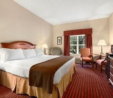 โรงแรม Ramada Pigeon Forge North