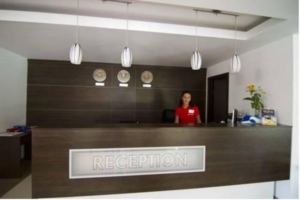 Salena Plaza Hotel - фото 12