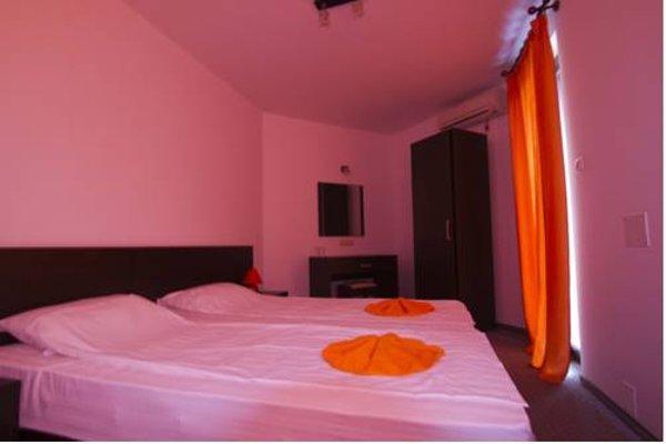 Salena Plaza Hotel - фото 3