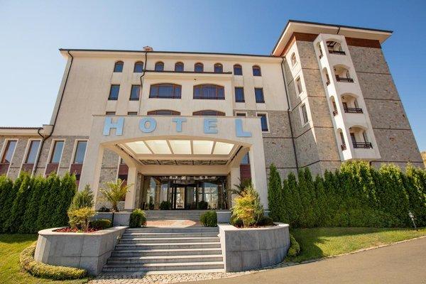 Vineyards Hotel - фото 10