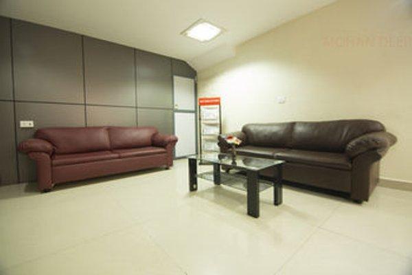NGH Transit Hotel - фото 12