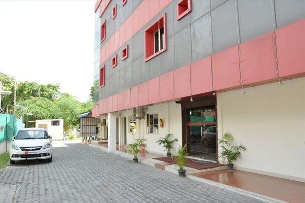 NGH Transit Hotel - фото 23
