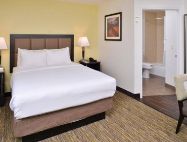 Апартаменты Candlewood Suites Beaumont