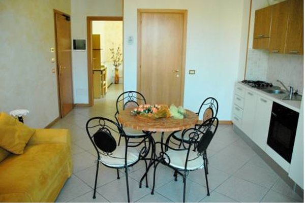 Hotel Residence Amarcord - 11