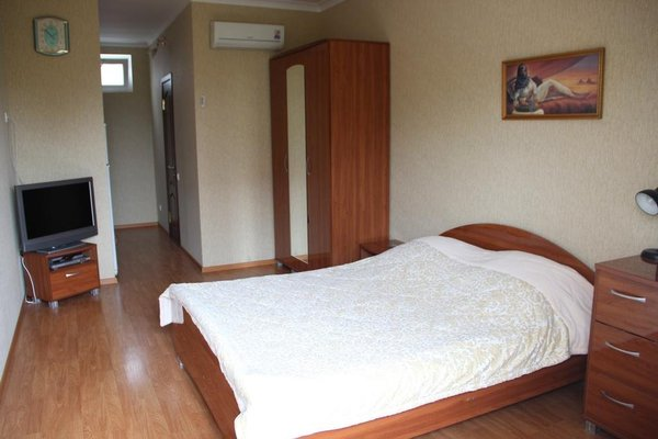 Angelina Guest House - 4