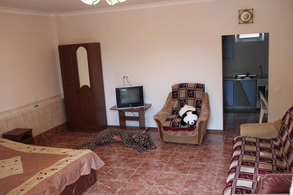 Angelina Guest House - 6
