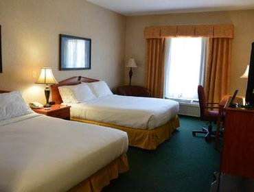 Апартаменты Holiday Inn Express Hotel & Suites Dickinson